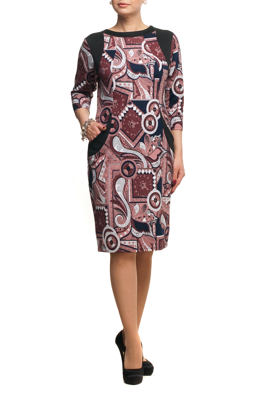 ПлатьеПлатья<br>Универсальное платье с круглой горловиной и рукавами 3/4. Модель выполнена из приятного трикотажа. Отличный выбор для повседневного гардероба.  В изделии использованы цвета: коричневый, темно-синий, черный и др.  Рост девушки-фотомодели 173 см<br><br>Горловина: С- горловина<br>По длине: Ниже колена<br>По материалу: Трикотаж<br>По рисунку: Абстракция,С принтом,Цветные<br>По силуэту: Полуприталенные<br>По стилю: Повседневный стиль<br>По форме: Платье - футляр<br>По элементам: С карманами<br>Рукав: Рукав три четверти<br>По сезону: Осень,Весна,Зима<br>Размер : 50,52,62,64,66,70<br>Материал: Трикотаж<br>Количество в наличии: 6