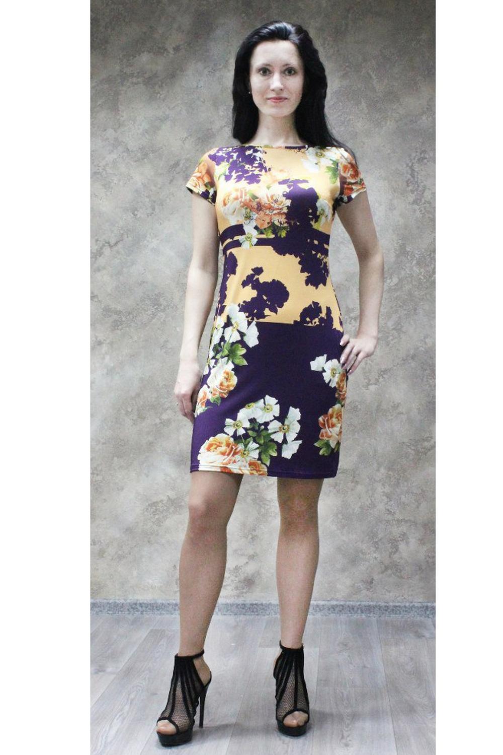 ПлатьеПлатья<br>Красивое платье с цветочным принтом для создания Вашего повседневного образа. В изделии использованы цвета: фиолетовый, желтый, зеленый и др.Рост девушки-фотомодели 170 см<br><br>Горловина: С- горловина<br>Рукав: Короткий рукав<br>Длина: До колена<br>Материал: Трикотаж<br>Рисунок: Растительные мотивы,С принтом,Цветные,Цветочные<br>Сезон: Лето,Осень,Весна<br>Силуэт: Приталенные<br>Стиль: Повседневный стиль<br>Форма: Платье - футляр<br>Размер : 48,50,52,54,56,58<br>Материал: Холодное масло<br>Количество в наличии: 24
