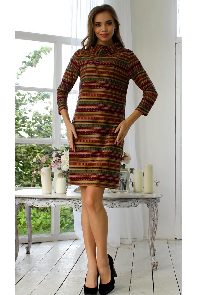 ПлатьеПлатья<br>Прямое платье из полушерстяного  трикотажного полотна, рукав 3/4, воротник - хомут. Уютное платье придает торжественность: женщину в этом наряде видно издалека Комфортная, тёплая ткань и воротник-хомут: такие платья отлично сочетаются и с кедами, и со шпильками.  Длина изделия от 85 см до 95 см, в зависимости от размера.  В изделии использованы цвета: красный, горчичный и др.  Рост девушки-фотомодели 175 см<br><br>Воротник: Хомут<br>По длине: До колена<br>По материалу: Трикотаж<br>По рисунку: В полоску,С принтом,Цветные<br>По силуэту: Полуприталенные<br>По стилю: Повседневный стиль<br>По форме: Платье - футляр<br>Рукав: Рукав три четверти<br>По сезону: Осень,Весна,Зима<br>Размер : 52<br>Материал: Трикотаж<br>Количество в наличии: 1