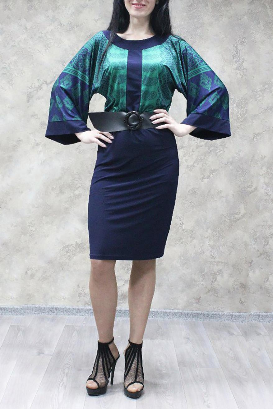 ПлатьеПлатья<br>Великолепное платье со свободными рукавами. Модель выполнена из приятного трикотажа. Отличный выбор для любого случая. Платье без пояса.  В изделии использованы цвета: синий, бирюзовый  Ростовка изделия 170 см<br><br>Горловина: С- горловина<br>По длине: До колена<br>По материалу: Трикотаж<br>По рисунку: С принтом,Цветные<br>По силуэту: Приталенные<br>По стилю: Повседневный стиль<br>По форме: Платье - футляр<br>Рукав: Рукав три четверти<br>По сезону: Осень,Весна,Зима<br>Размер : 52,54,56,58<br>Материал: Холодное масло<br>Количество в наличии: 12