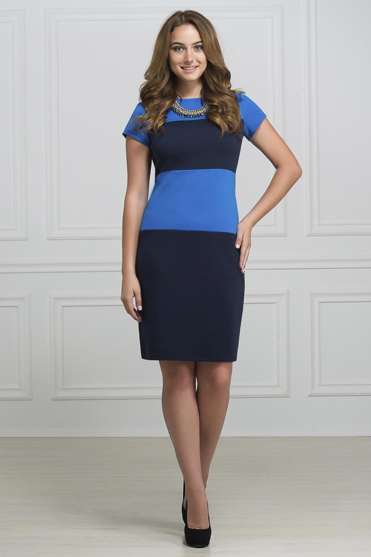 ПлатьеПлатья<br>Элегантное платье построенное на сочетании двух контрастных цветов. Классический вариант для офиса. Ткань - плотный трикотаж, характеризующийся эластичностью, растяжимостью и мягкостью. Ростовка изделия 170 см.  Длина изделия 96-98 см.  В изделии использованы цвета: синий, темно-синий  Рост девушки-фотомодели 173 см<br><br>Горловина: С- горловина<br>По длине: До колена<br>По материалу: Вискоза,Трикотаж<br>По рисунку: В полоску,Цветные<br>По силуэту: Приталенные<br>По стилю: Офисный стиль,Повседневный стиль<br>По форме: Платье - футляр<br>Рукав: Короткий рукав<br>По сезону: Осень,Весна,Зима<br>Размер : 46,50,52<br>Материал: Трикотаж<br>Количество в наличии: 3