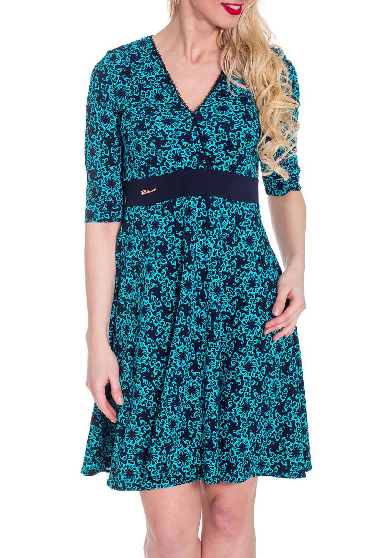 ПлатьеПлатья<br>Прекрасное платье с рукавами 3/4. Модель выполнена из приятного трикотажа. Отличный выбор для повседневного гардероба.  Цвет: синий, голубой  Рост девушки-фотомодели 170 см.<br><br>Горловина: V- горловина,Запах<br>По длине: До колена<br>По материалу: Трикотаж<br>По образу: Город,Свидание<br>По рисунку: С принтом,Цветные,Цветочные<br>По силуэту: Полуприталенные<br>По стилю: Повседневный стиль<br>По форме: Платье - трапеция<br>По элементам: С завышенной талией<br>Рукав: До локтя<br>По сезону: Осень,Весна<br>Размер : 44,46,48<br>Материал: Трикотаж<br>Количество в наличии: 3