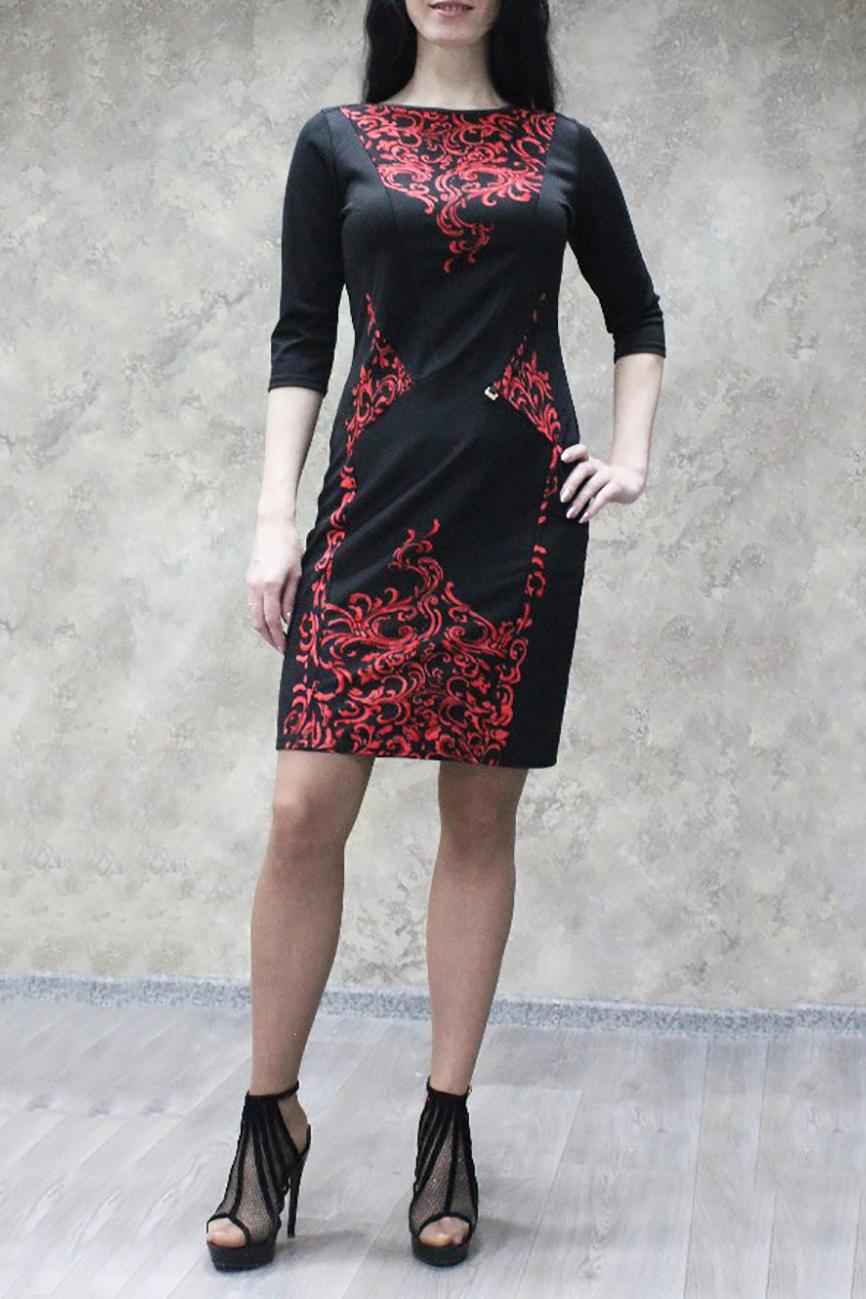 ПлатьеПлатья<br>Цветное платье футлярного типа. Модель выполнена из приятного трикотажа. Отличный выбор для любого случая.  В изделии использованы цвета: черный, красный  Ростовка изделия 170 см<br><br>Горловина: С- горловина<br>По длине: До колена<br>По материалу: Трикотаж<br>По рисунку: С принтом,Цветные<br>По силуэту: Приталенные<br>По стилю: Повседневный стиль<br>По форме: Платье - футляр<br>Рукав: Рукав три четверти<br>По сезону: Осень,Весна,Зима<br>Размер : 44,46,48,50,52,54,56,58<br>Материал: Джерси<br>Количество в наличии: 29