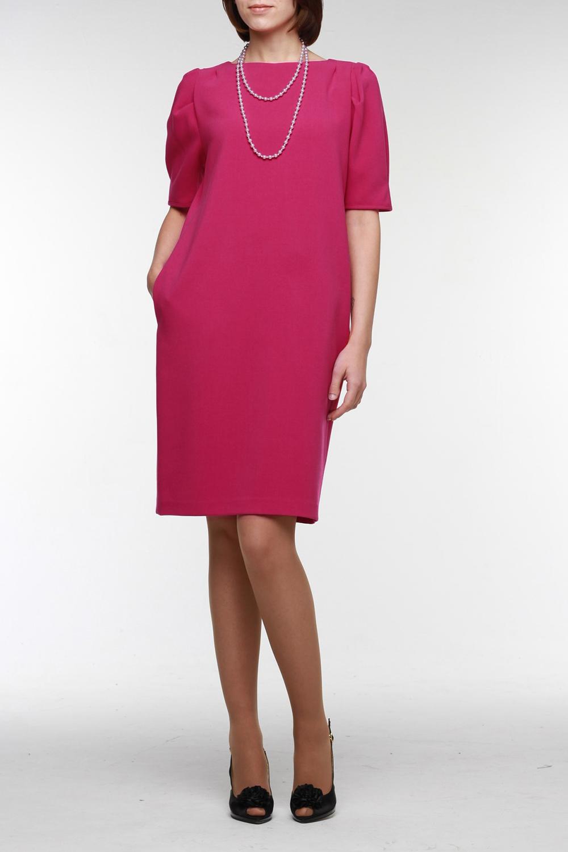 ПлатьеПлатья<br>Стильное цикламеновое платье прямого силуэта позволяет вам выглядеть всегда уверенно, свежо и актуально. Оно выполнено из мягкой плательной ткани. Рукав до локтя со складками по окату и небольшими защипами по низу, горловина обработана обтачкой, в боковых швах — карманы.  Цвет: розовый  Рост девушки-фотомодели 177 см<br><br>Горловина: С- горловина<br>По длине: До колена<br>По материалу: Вискоза,Трикотаж<br>По рисунку: Однотонные<br>По сезону: Весна,Осень,Зима<br>По силуэту: Прямые,Свободные<br>По стилю: Повседневный стиль<br>По элементам: С карманами<br>Рукав: До локтя<br>Размер : 44,46,52<br>Материал: Джерси<br>Количество в наличии: 3