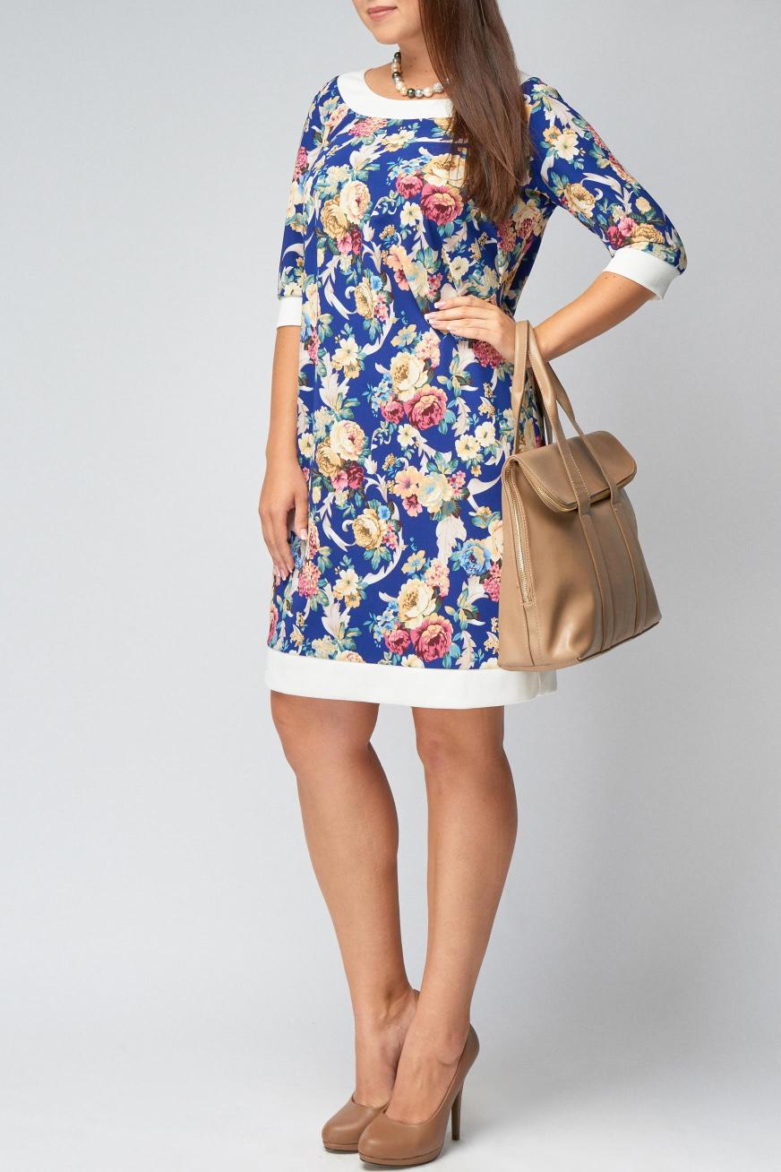 ПлатьеПлатья<br>Восхитительноее платье с круглой горловиной и рукавами 3/4. Модель выполнена из приятного трикотажа. Отличный выбор для повседневного гардероба.  В изделии использованы цвета: синий, белый, бежевый и др.  Рост девушки-фотомодели 170 см<br><br>Горловина: С- горловина<br>По длине: До колена<br>По материалу: Вискоза,Трикотаж<br>По рисунку: Растительные мотивы,С принтом,Цветные,Цветочные<br>По силуэту: Приталенные<br>По стилю: Повседневный стиль,Романтический стиль<br>По форме: Платье - футляр<br>По элементам: С манжетами<br>Рукав: Рукав три четверти<br>По сезону: Осень,Весна,Зима<br>Размер : 54,56<br>Материал: Трикотаж<br>Количество в наличии: 2