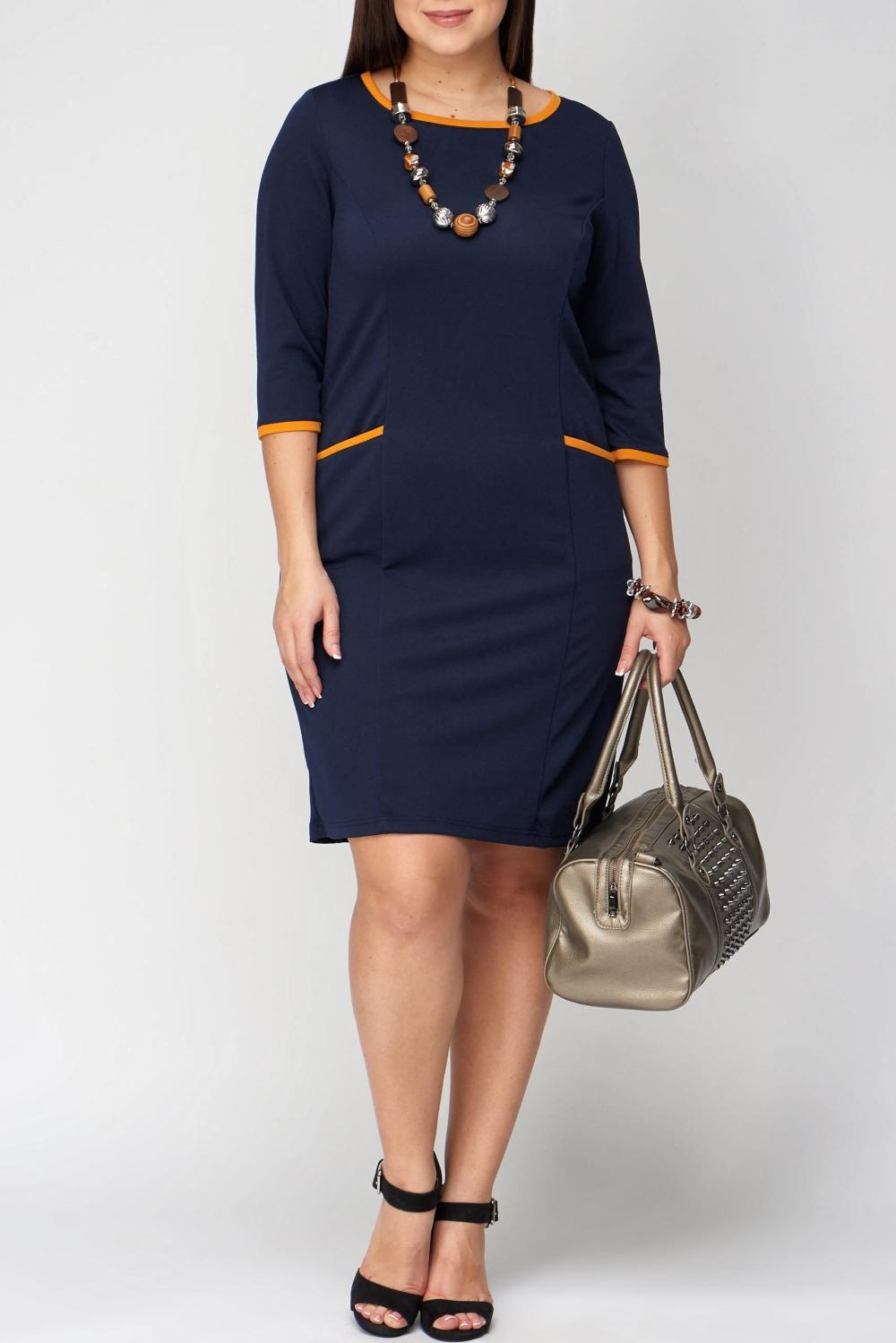 ПлатьеПлатья<br>Красивое платье с круглой горловиной и рукавами 3/4. Модель выполнена из однотонного трикотажа с контрастной отделкой. Отличный выбор для повседневного и делового гардероба.  В изделии использованы цвета: синий, желтый  Рост девушки-фотомодели 170 см<br><br>Горловина: С- горловина<br>По длине: До колена<br>По материалу: Вискоза,Трикотаж<br>По рисунку: Однотонные<br>По стилю: Офисный стиль,Повседневный стиль<br>По форме: Платье - футляр<br>По элементам: С карманами<br>Рукав: Рукав три четверти<br>По сезону: Осень,Весна,Зима<br>Размер : 56,60<br>Материал: Трикотаж<br>Количество в наличии: 3