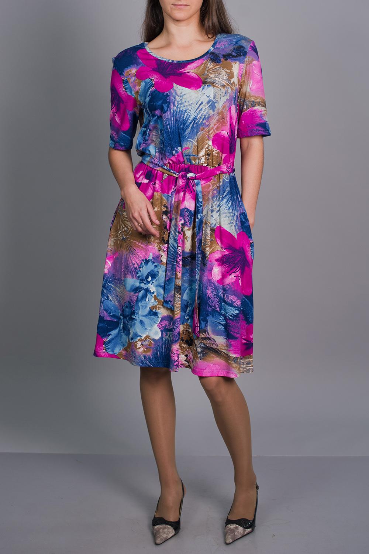 ПлатьеПлатья<br>Ищите способ обратить на себя внимание Это прелестное платье привлечет восторженные взгляды Пояс в комплект не входит.  В изделии использованы цвета: голубой, синий, розовый и др.  Рост девушки-фотомодели 170 см<br><br>Горловина: С- горловина<br>По длине: Ниже колена<br>По материалу: Вискоза,Трикотаж<br>По рисунку: Растительные мотивы,С принтом,Цветные,Цветочные<br>По силуэту: Свободные<br>По стилю: Повседневный стиль,Романтический стиль<br>По форме: Платье - трапеция<br>Рукав: До локтя<br>По сезону: Осень,Весна<br>Размер : 44,46,52<br>Материал: Вискоза<br>Количество в наличии: 3