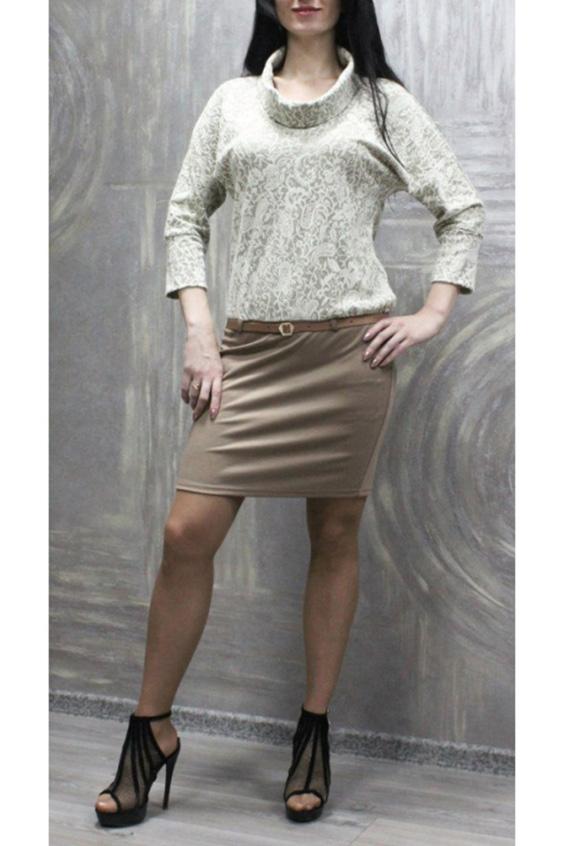 ПлатьеПлатья<br>Красивое платье с имитацией юбки и блузки. Модель выполнена из приятного материала. Отличный выбор для любого случая. Платье без пояса.  Цвет: бежевый  Ростовка изделия 170 см.<br><br>Воротник: Хомут<br>По длине: До колена<br>По материалу: Вискоза,Трикотаж<br>По образу: Город,Свидание<br>По рисунку: Цветные<br>По силуэту: Полуприталенные<br>По стилю: Повседневный стиль<br>Рукав: Рукав три четверти<br>По сезону: Осень,Весна,Зима<br>Размер : 50,52,54,56,58<br>Материал: Трикотаж<br>Количество в наличии: 14