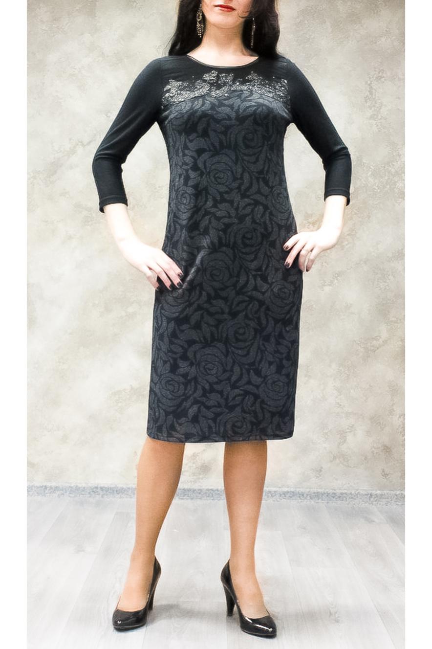 ПлатьеПлатья<br>Цветное платье с круглой горловиной и рукавами 3/4. Модель выполнена из приятного трикотажа. Отличный выбор для любого случая.  В изделии использованы цвета: черный, серый  Ростовка изделия 170 см.<br><br>Горловина: С- горловина<br>По длине: Ниже колена<br>По материалу: Трикотаж<br>По рисунку: С принтом,Цветные<br>По силуэту: Полуприталенные<br>По стилю: Повседневный стиль<br>По форме: Платье - футляр<br>По элементам: С декором<br>Рукав: Рукав три четверти<br>По сезону: Осень,Весна,Зима<br>Размер : 50,52,54,56,58<br>Материал: Трикотаж<br>Количество в наличии: 14