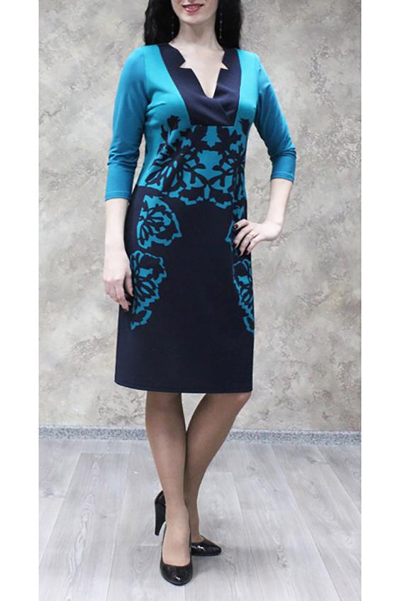 ПлатьеПлатья<br>Изумительное женское платье из  трикотажного полотна для прекрасных дам. Модель станет идеальным дополнением к Вашему повседневному гардеробу.  Цвет: синий, бирюзовый.  Ростовка изделия 170 см.<br><br>Горловина: V- горловина<br>По длине: До колена<br>По материалу: Трикотаж<br>По рисунку: Абстракция,С принтом,Цветные<br>По силуэту: Полуприталенные<br>По стилю: Повседневный стиль<br>По форме: Платье - футляр<br>По элементам: С вырезом<br>Рукав: Рукав три четверти<br>По сезону: Осень,Весна,Зима<br>Размер : 48,50,52,54,56,58<br>Материал: Трикотаж<br>Количество в наличии: 15