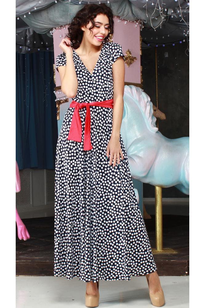 ПлатьеПлатья<br>Платье из приятного трикотажного полотна с эластаном приталенного силуэта, отрезное по линии талии с длинной расклешенной юбкой. Полочка и спинка с рельефами и с глубоким v-образным вырезом, рукав - крыло. Платье без пояса.  В изделии использованы цвета: темно-синий, белый  Рост девушки-фотомодели 176 см.<br><br>Горловина: V- горловина<br>По длине: Макси<br>По материалу: Трикотаж<br>По образу: Город,Свидание<br>По рисунку: В горошек,С принтом,Цветные<br>По силуэту: Полуприталенные<br>По стилю: Повседневный стиль<br>По форме: Платье - трапеция<br>Рукав: Короткий рукав<br>По сезону: Лето<br>Размер : 46,48<br>Материал: Холодное масло<br>Количество в наличии: 2