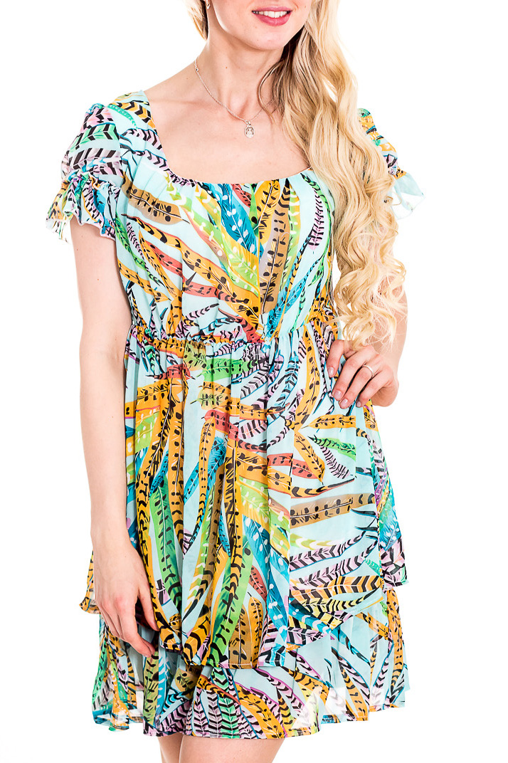 ПлатьеПлатья<br>Яркое платье с короткими рукавами. Модель выполнена из приятного материала. Отличный выбор для повседневного гардероба.  В изделии использованы цвета: голубой, желтый и др.  Рост девушки-фотомодели 170 см<br><br>Горловина: Квадратная горловина<br>По материалу: Тканевые<br>По рисунку: С принтом,Цветные<br>По силуэту: Полуприталенные<br>По стилю: Повседневный стиль,Летний стиль<br>По форме: Платье - трапеция<br>Рукав: Короткий рукав<br>По длине: До колена<br>По сезону: Лето<br>По элементам: С воланами и рюшами<br>Размер : 42,46,48<br>Материал: Полиэстер<br>Количество в наличии: 4
