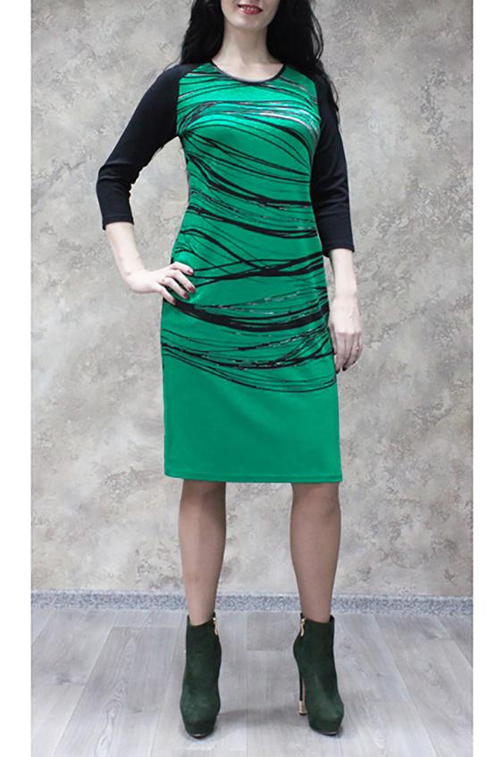 ПлатьеПлатья<br>Цветное платье с круглой горловиной и рукавами 3/4. Модель выполнена из приятного трикотажа. Отличный выбор для повседневного гардероба.  В изделии использованы цвета: зеленый, черный  Ростовка изделия 170 см.<br><br>Горловина: С- горловина<br>По длине: До колена<br>По материалу: Трикотаж<br>По рисунку: С принтом,Цветные<br>По силуэту: Полуприталенные<br>По стилю: Повседневный стиль<br>По форме: Платье - футляр<br>Рукав: Рукав три четверти<br>По сезону: Осень,Весна,Зима<br>Размер : 50,52,54,58<br>Материал: Трикотаж<br>Количество в наличии: 9