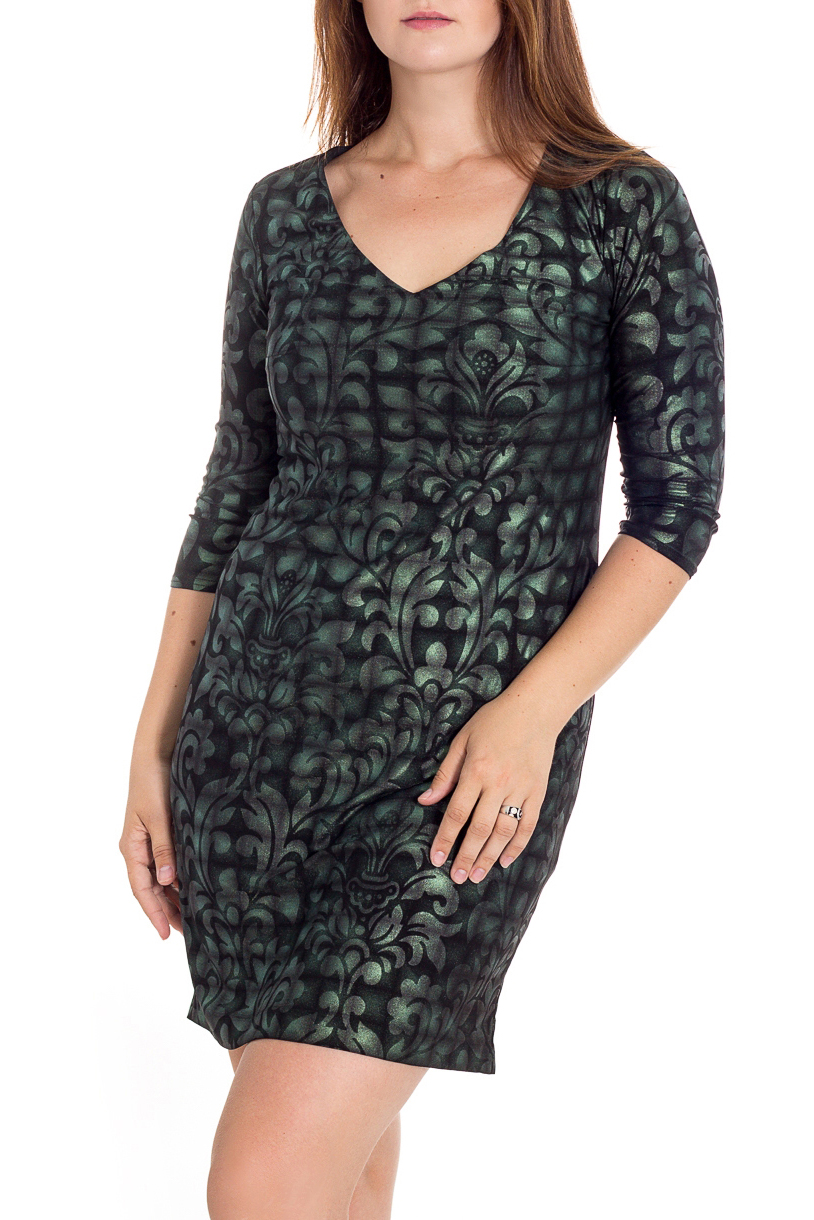ПлатьеПлатья<br>Платье из тонкого трикотажа полуприлегающего силуэта чуть расширенное от бедра. Перед с нагрудной вытачкой из бокового шва. Спинка со средним швом.  Горловина неглубокая, V-образная. Рукава втачные, длиной 3/4. Длина изделия до 50 размера - 95 см., после 50 размера - 100 см. В изделии использованы цвета: зеленый, черный и др.Рост девушки-фотомодели 180 см<br><br>Горловина: V- горловина<br>Рукав: Рукав три четверти<br>Длина: До колена<br>Материал: Трикотаж<br>Рисунок: С принтом,Цветные<br>Сезон: Весна,Осень,Зима<br>Силуэт: Полуприталенные<br>Стиль: Повседневный стиль<br>Форма: Платье - футляр<br>Размер : 46,48,50,52,54<br>Материал: Трикотаж<br>Количество в наличии: 5