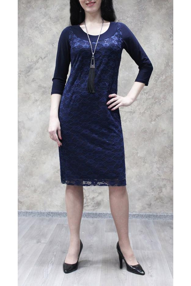 ПлатьеПлатья<br>Нарядное платье с круглой горловиной и рукавами 3/4. Модель выполнена из приятного материала. Отличный выбор для любого случая.  Цвет: синий  Ростовка изделия 170 см.<br><br>Горловина: С- горловина<br>По длине: Ниже колена<br>По материалу: Гипюр,Трикотаж<br>По рисунку: Однотонные<br>По сезону: Весна,Зима,Лето,Осень,Всесезон<br>По силуэту: Полуприталенные<br>По стилю: Нарядный стиль<br>Рукав: Рукав три четверти<br>Размер : 50,52,54,56,58<br>Материал: Холодное масло + Гипюр<br>Количество в наличии: 13