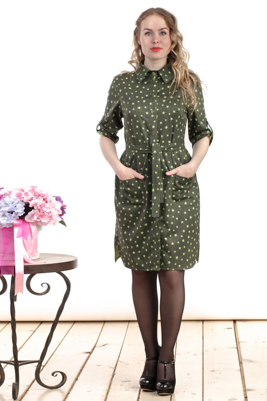 ПлатьеПлатья<br>Цветное платье рубашка. Модель выполнена из тонкой плательной ткани джинс. Отличный выбор для любого случая.  Цвет: зеленый  Длина изделия: 44 размер - 92 см. 46 размер - 93 см. 48 размер - 94 см. 50 размер - 95 см. 52 размер - 96 см. 54 размер - 97 см.  Рост девушки-фотомодели 161 см.<br><br>Воротник: Рубашечный<br>По длине: До колена<br>По материалу: Тканевые<br>По рисунку: С принтом,Цветные<br>По силуэту: Полуприталенные<br>По стилю: Повседневный стиль,Сафари<br>По форме: Платье - рубашка<br>По элементам: С карманами,С патами<br>Рукав: До локтя,Рукав три четверти<br>По сезону: Осень,Весна<br>Размер : 44,46,48,52<br>Материал: Плательная ткань<br>Количество в наличии: 4