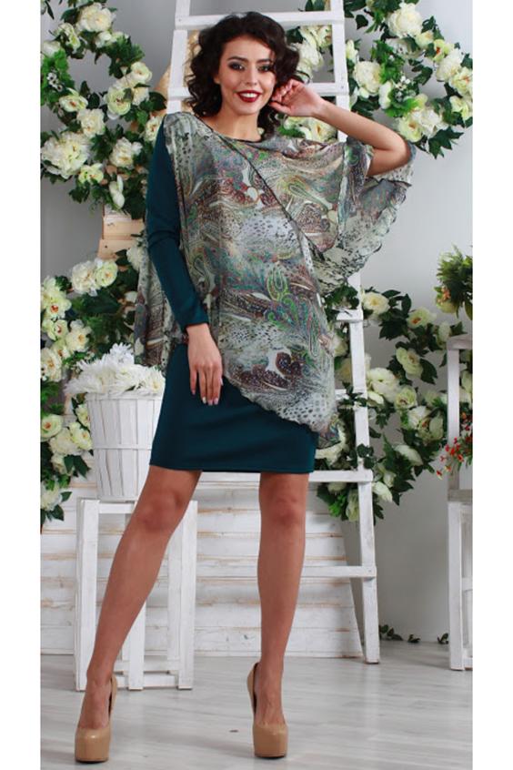 ПлатьеПлатья<br>Комбинированное асимметричное платье прямого силуэта с двумя пелеринами, одним втачным рукавом и сборкой по правому плечевому шву. Основа платья выполнена из плотного трикотажного полотна с эластаном, пелерины - из микровискозы с набивным рисунком.  Просим обратить внимание, что из-за большого рапорта рисунка принт по разному располагается на изделии.  Длина изделия от 93 см, в зависимости от размера.  В изделии использованы цвета: темно-зеленый и др.  Рост девушки-фотомодели 176 см.  Параметры размеров: 42 размер - обхват груди 84 см., обхват талии 64 см., обхват бедер 92 см. 44 размер - обхват груди 88 см., обхват талии 68 см., обхват бедер 96 см. 46 размер - обхват груди 92 см., обхват талии 72 см., обхват бедер 100 см. 48 размер - обхват груди 96 см., обхват талии 76 см., обхват бедер 104 см. 50 размер - обхват груди 100 см., обхват талии 80 см., обхват бедер 108 см. 52 размер - обхват груди 104 см., обхват талии 84 см., обхват бедер 112 см. 54 размер - обхват груди 108 см., обхват талии 88 см., обхват бедер 116 см. 56 размер - обхват груди 112 см., обхват талии 92 см., обхват бедер 120 см. 58 размер - обхват груди 116 см., обхват талии 96 см., обхват бедер 124 см.  Ростовка изделия 170 см.<br><br>Горловина: С- горловина<br>Рукав: Длинный рукав,Рукав три четверти<br>Длина: До колена<br>Материал: Трикотаж,Шифон<br>Рисунок: С принтом,Цветные<br>Сезон: Весна,Всесезон,Зима,Лето,Осень<br>Силуэт: Приталенные<br>Стиль: Нарядный стиль<br>Форма: Платье - футляр<br>Элементы: С декором<br>Размер : 42,46,48,54<br>Материал: Трикотаж + Шифон<br>Количество в наличии: 6