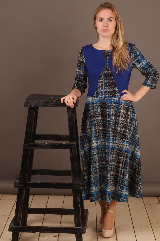 ПлатьеПлатья<br>Удлиненное платье с круглой горловиной и рукавами 3/4. Модель выполнена из плотного трикотажа. Отличный выбор для повседневного гардероба.  В изделии использованы цвета: синий, черный, серый и др.  Длина изделия 107 см +/- 2 см.  Рост девушки-фотомодели 161 см.<br><br>Горловина: С- горловина<br>По длине: Миди,Ниже колена<br>По материалу: Вискоза,Трикотаж<br>По образу: Город<br>По рисунку: В клетку,Цветные<br>По сезону: Зима,Осень,Весна<br>По силуэту: Полуприталенные<br>По стилю: Повседневный стиль<br>По форме: Платье - трапеция<br>Рукав: Рукав три четверти<br>Размер : 46,48<br>Материал: Джерси<br>Количество в наличии: 2
