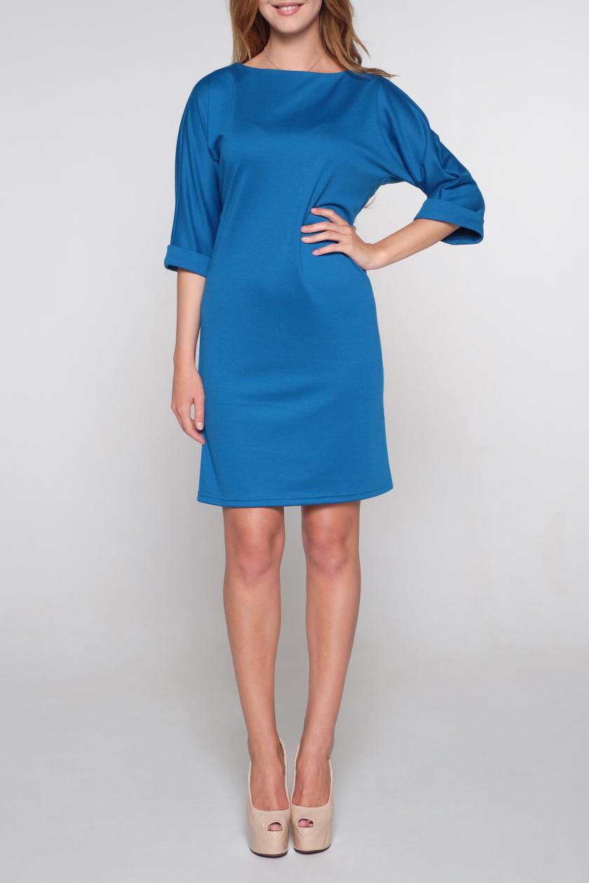 ПлатьеПлатья<br>Универсальное однотонное платье с рукавами 3/4. Модель выполнена из приятного трикотажа. Отличный выбор для повседневного и делового гардероба.   Цвет: синий  Ростовка изделия 170 см<br><br>Горловина: С- горловина<br>По длине: До колена<br>По материалу: Вискоза,Трикотаж<br>По рисунку: Однотонные<br>По силуэту: Полуприталенные<br>По стилю: Классический стиль,Офисный стиль,Повседневный стиль<br>По элементам: С манжетами,С молнией,С отделочной фурнитурой<br>Рукав: Рукав три четверти<br>По сезону: Осень,Весна,Зима<br>Размер : 54,56<br>Материал: Трикотаж<br>Количество в наличии: 2