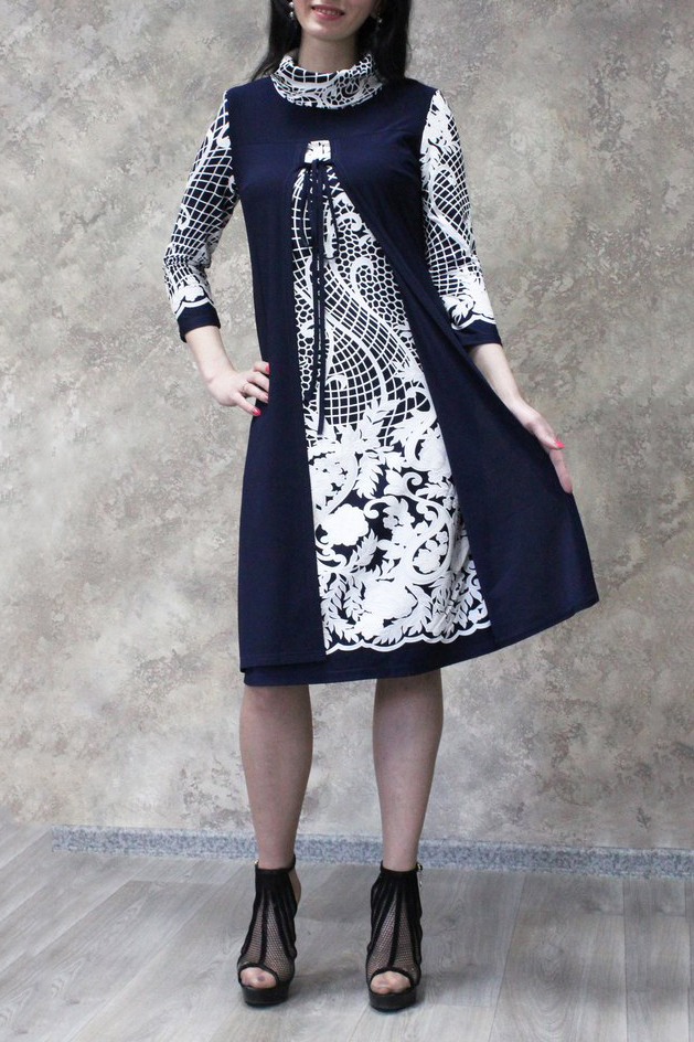 ПлатьеПлатья<br>Интересное платье с имитацией накидки. Модель выполнена из приятного материала. Отличный выбор для любого случая.  В изделии использованы цвета: синий, белый  Рост девушки-фотомодели 172 см.<br><br>Воротник: Стойка<br>По длине: Ниже колена<br>По материалу: Трикотаж<br>По рисунку: С принтом,Цветные,Цветочные<br>По силуэту: Полуприталенные<br>По стилю: Повседневный стиль<br>По форме: Платье - трапеция<br>Рукав: Рукав три четверти<br>По сезону: Осень,Весна<br>Размер : 50,52,54,56,58<br>Материал: Трикотаж<br>Количество в наличии: 17