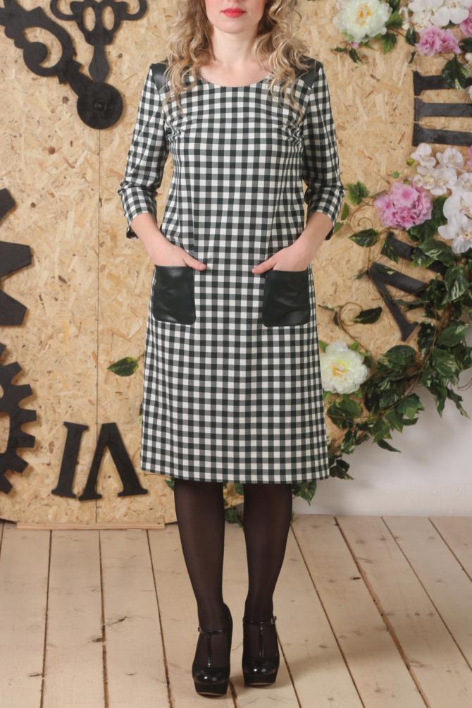 ПлатьеПлатья<br>Красивое платье с круглой горловиной и рукавами 3/4. Модель выполнена из приятного материала с кожаными вставками. Отличный выбор для повседневного гардероба.  В изделии использованы цвета: белый, серо-зеленый  Длина изделия  44 размер - 93 см. 46 размер - 93,5 см. 48 размер - 94 см. 50 размер - 94,5 см. 52 размер - 95 см.  Рост девушки-фотомодели 161 см<br><br>Горловина: С- горловина<br>По длине: До колена<br>По материалу: Тканевые<br>По рисунку: В клетку,С принтом,Цветные<br>По силуэту: Полуприталенные<br>По стилю: Кэжуал,Повседневный стиль<br>По форме: Платье - трапеция<br>По элементам: С карманами<br>Рукав: Рукав три четверти<br>По сезону: Осень,Весна,Зима<br>Размер : 44,46,50,52<br>Материал: Плательная ткань<br>Количество в наличии: 4
