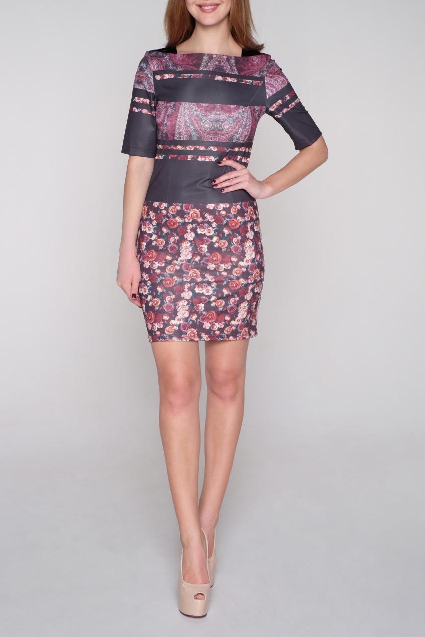 ПлатьеПлатья<br>Цветное платье с квадратной горловиной и рукавами до локтя. Модель выполнена из приятного трикотажа и искусственной кожи. Отличный выбор для повседневного гардероба.  В изделии использованы цвета: черный, розовый и др.  Ростовка изделия 170 см<br><br>Горловина: С- горловина<br>По длине: До колена<br>По материалу: Трикотаж,Искусственная кожа<br>По образу: Город,Свидание<br>По рисунку: Растительные мотивы,С принтом,Цветные,Цветочные<br>По силуэту: Приталенные<br>По стилю: Повседневный стиль<br>По форме: Платье - футляр<br>Рукав: До локтя<br>По сезону: Осень,Весна,Зима<br>Размер : 42,44,46<br>Материал: Трикотаж + Искусственная кожа<br>Количество в наличии: 7