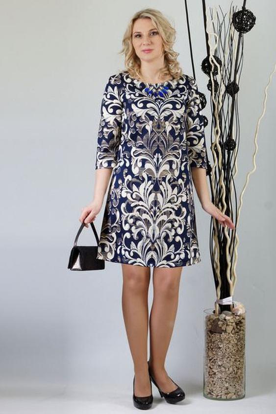 ПлатьеПлатья<br>Это нарядное платье  для женщин, которые хотят выглядеть сногсшибательно в глазах окружающих, и при этом ценят комфорт и удобство в одежде. Главный акцент - это красивая трикотажная  ткань с изысканным узором. Удобный рукав три-четверти. Простой трапецевидный силуэт подчеркивает все достоинства фигуры, и скрывает имеющиеся недостатки. Это платье будет уместно смотреться на женщине не только в офисе, но и на любом торжественном мероприятии.  Длина до 48 размера - 89 см., после 50 размера - 94 см.   В изделии использованы цвета: синий, белый, серый  Ростовка изделия 170 см.<br><br>Горловина: С- горловина<br>По длине: До колена<br>По материалу: Вискоза,Трикотаж<br>По рисунку: С принтом,Цветные<br>По силуэту: Полуприталенные<br>По стилю: Повседневный стиль<br>По форме: Платье - трапеция<br>Рукав: Рукав три четверти<br>По сезону: Осень,Весна,Зима<br>Размер : 46,56<br>Материал: Трикотаж<br>Количество в наличии: 2