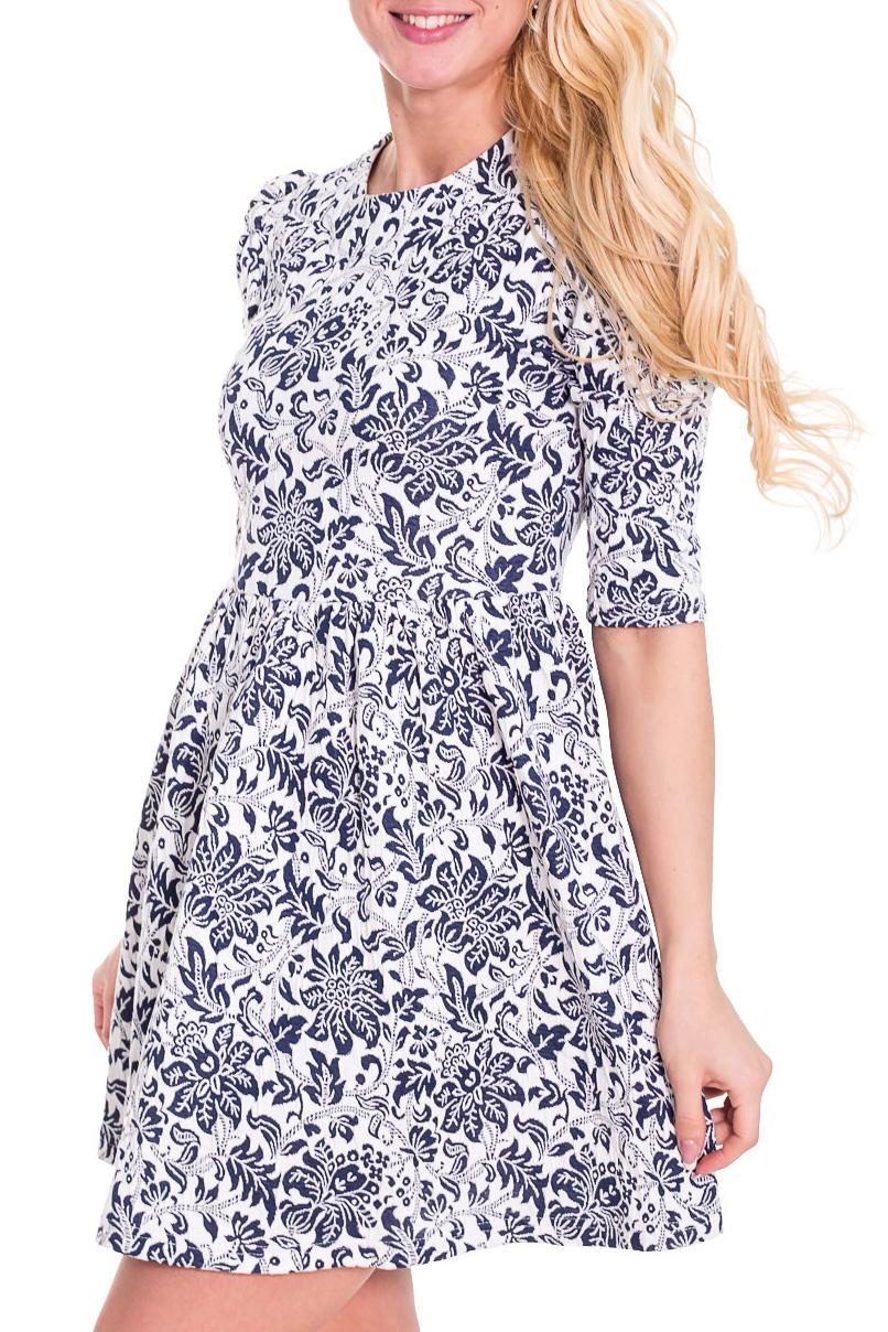 ПлатьеПлатья<br>Необыкновенное платье с завышенной талией. Модель выполнена из приятного материала. Отличный выбор для любого случая.  Просим учесть, что изделие маломерит на один размер.  Цвет: белый, синий  Рост девушки-фотомодели 170 см.<br><br>Горловина: С- горловина<br>По длине: До колена<br>По материалу: Вискоза,Трикотаж<br>По образу: Город,Свидание<br>По рисунку: Цветные,Растительные мотивы,С принтом,Цветочные<br>По сезону: Весна,Осень<br>По стилю: Повседневный стиль<br>По форме: Платье - трапеция<br>Рукав: До локтя<br>По силуэту: Приталенные<br>Размер : 42,44,46,48<br>Материал: Трикотаж<br>Количество в наличии: 2