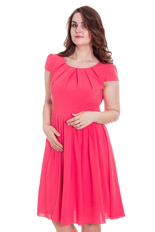 ПлатьеПлатья<br>Прекрасное платье приталенного силуэта с юбкой в мягкую складку. Оно выполнено из легкой однотонной плательной ткани и прекрасно подойдет на каждый день. Горловина с декоративными складками, рукав короткий, достоинства фигуры подчеркивает завышенная талия. В этом платье Вы очаровательны  Цвет: розовый  Рост девушки-фотомодели 180 см<br><br>По образу: Выход в свет,Свидание<br>По стилю: Нарядный стиль,Романтический стиль<br>По материалу: Тканевые<br>По рисунку: Однотонные<br>По сезону: Весна,Всесезон,Зима,Лето,Осень<br>По силуэту: Приталенные<br>По элементам: Со складками<br>По форме: Платье - трапеция<br>По длине: Ниже колена<br>Рукав: Короткий рукав<br>Горловина: С- горловина<br>Размер: 46,50<br>Материал: 60% полиэстер 35% вискоза 5% эластан<br>Количество в наличии: 2