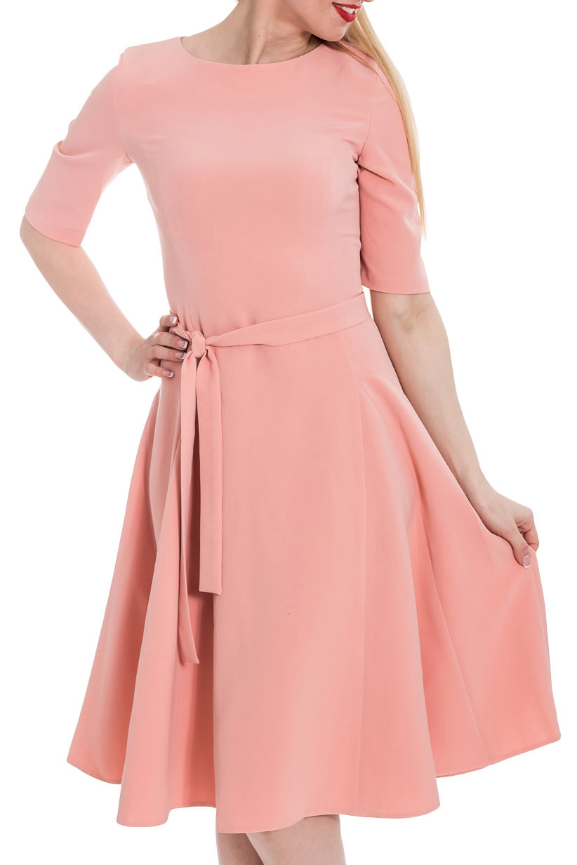 ПлатьеПлатья<br>Прелестное платье из плательного материала с эластаном бордового цвета прекрасно подойдет для праздничного вечера. Горловина обработана обтачкой, рукав до локтя, широкая, летящая юбка с клиньями годе, на спинке потайная молния 50 см. Платье дополнено поясом.  Цвет: светло-коралловый  Рост девушки-фотомодели 170 см.<br><br>Горловина: С- горловина<br>По длине: Ниже колена<br>По материалу: Вискоза<br>По образу: Город,Свидание<br>По рисунку: Однотонные<br>По силуэту: Полуприталенные<br>По стилю: Повседневный стиль<br>По форме: Платье - трапеция<br>По элементам: С поясом<br>Рукав: До локтя<br>По сезону: Осень,Весна<br>Размер : 42,46,52<br>Материал: Плательная ткань<br>Количество в наличии: 3