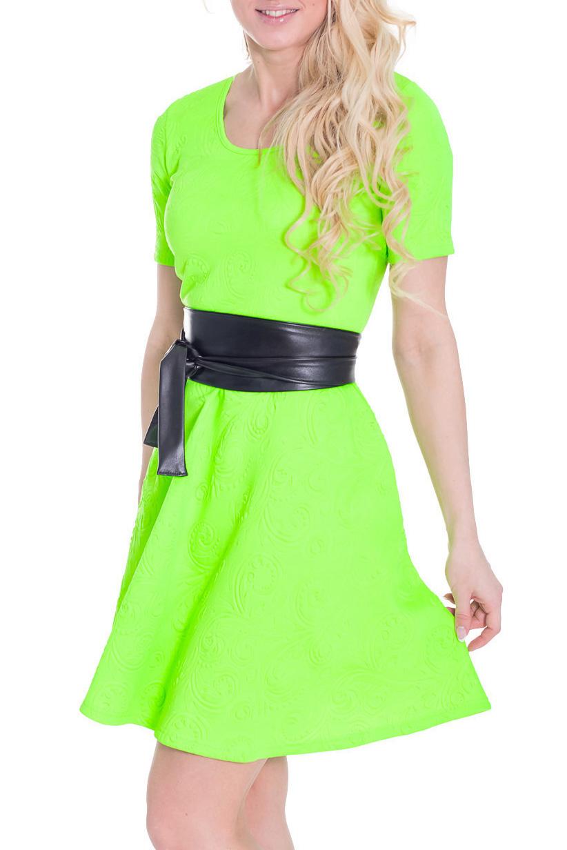 ПлатьеПлатья<br>Яркое платье с круглой горловиной и короткими рукавами. Модель выполнена из фактурного материала. Отличный выбор для любого случая. Платье дополнено контрастным поясом.  Цвет: салатовый  Рост девушки-фотомодели 170 см.<br><br>Горловина: С- горловина<br>По длине: До колена<br>По материалу: Вискоза,Жаккард<br>По рисунку: Неоновые,Однотонные,Фактурный рисунок<br>По силуэту: Полуприталенные<br>По стилю: Летний стиль,Молодежный стиль<br>По форме: Платье - трапеция<br>По элементам: С поясом<br>Рукав: Короткий рукав<br>По сезону: Лето<br>Размер : 44<br>Материал: Жаккард<br>Количество в наличии: 1