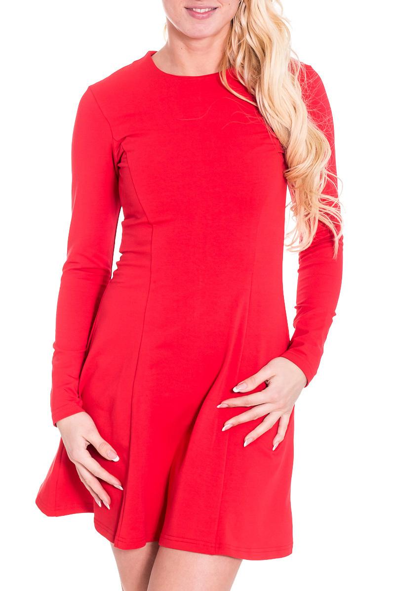 ПлатьеПлатья<br>Лаконичное платье с круглой горловиной и длинными рукавами. Модель выполнена из приятного материала. Отличный выбор для повседневного гардероба.  Просим учесть, что изделие маломерит на один размер.  Цвет: красный  Рост девушки-фотомодели 170 см.<br><br>Горловина: С- горловина<br>По длине: До колена,Мини<br>По материалу: Вискоза,Трикотаж<br>По рисунку: Однотонные<br>По сезону: Весна,Осень,Зима<br>По стилю: Повседневный стиль,Молодежный стиль<br>По форме: Платье - трапеция<br>Рукав: Длинный рукав<br>По силуэту: Приталенные<br>Размер : 48<br>Материал: Трикотаж<br>Количество в наличии: 1