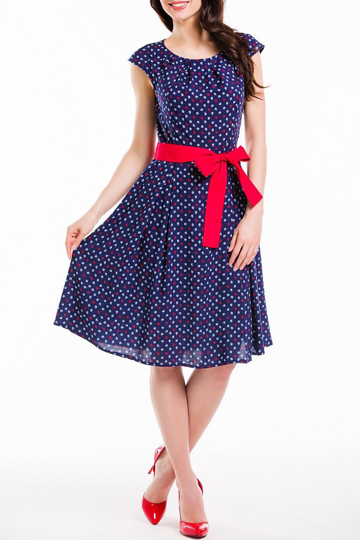 ПлатьеПлатья<br>Красивое платье с ярким принтом. Модель выполнена из приятного материала. Отличный выбор для любого случая. Платье без пояса.  Цвет: синий, белый, красный  Рост девушки-фотомодели 168 см.<br><br>Горловина: С- горловина<br>По длине: До колена<br>По материалу: Вискоза<br>По образу: Город,Свидание<br>По рисунку: С принтом,Цветные<br>По силуэту: Полуприталенные<br>По стилю: Повседневный стиль<br>По форме: Платье - трапеция<br>Рукав: Короткий рукав<br>По сезону: Лето<br>Размер : 52<br>Материал: Вискоза<br>Количество в наличии: 1