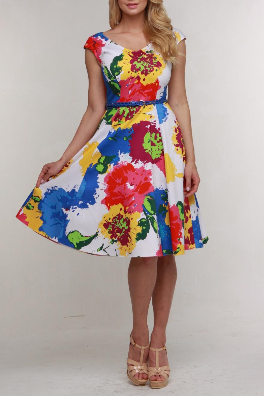 ПлатьеПлатья<br>Симпатичное платье из плотной хлопковой ткани с эластаном без рукавов со спущенной проймой. Горловина и проймы обработаны единой обтачкой, на спинке молния 50 см. Силуэт приталенный, широкая отрезная юбка — шестиклинка. Платье дополнено ремешком.  Цвет: белый, мультицвет  Рост девушки-фотомодели 174 см.<br><br>Горловина: V- горловина<br>По длине: Ниже колена<br>По материалу: Хлопок<br>По рисунку: С принтом,Цветные<br>По силуэту: Приталенные<br>По стилю: Повседневный стиль<br>По форме: Платье - трапеция<br>Рукав: Короткий рукав<br>По сезону: Лето<br>Размер : 46,48,50<br>Материал: Хлопок<br>Количество в наличии: 3