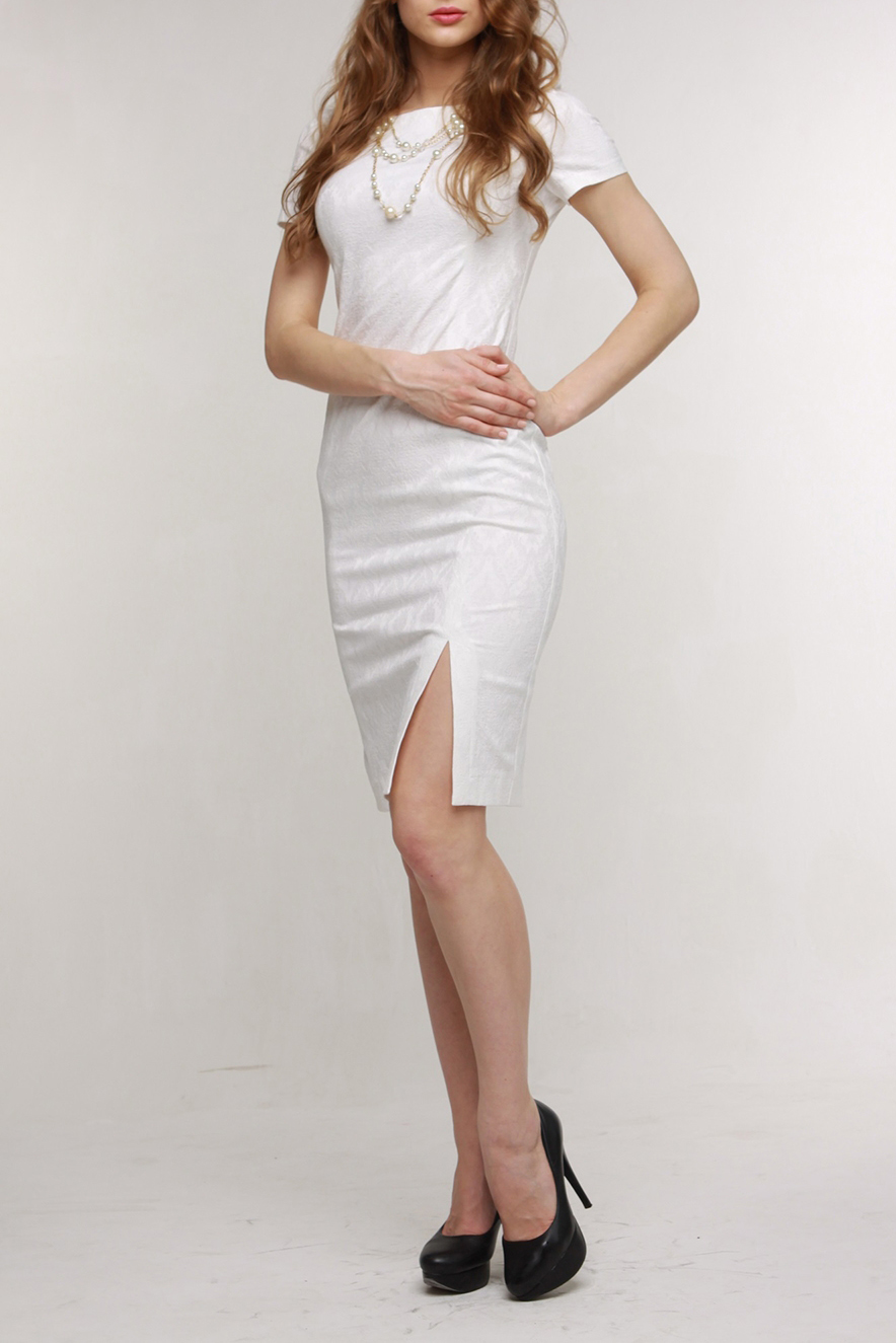 ПлатьеПлатья<br>Повседневно-нарядное платье прекрасно подойдет как для праздника, так и для романтичной встречи. В наших платьях Вы будете выглядеть очаровательно на протяжении всего дня. Украшение в комплект не входит.  Цвет: белый.  Рост девушки-фотомодели 170 см<br><br>Горловина: Лодочка<br>По длине: До колена<br>По материалу: Хлопок<br>По рисунку: Однотонные,Фактурный рисунок<br>По сезону: Весна,Зима,Лето,Осень,Всесезон<br>По силуэту: Приталенные<br>По стилю: Классический стиль,Кэжуал,Летний стиль,Нарядный стиль,Офисный стиль,Повседневный стиль,Романтический стиль<br>По форме: Платье - карандаш,Платье - футляр<br>По элементам: С декором,С молнией,С разрезом<br>Разрез: Короткий<br>Рукав: Короткий рукав<br>Размер : 48,50,52<br>Материал: Хлопок<br>Количество в наличии: 3