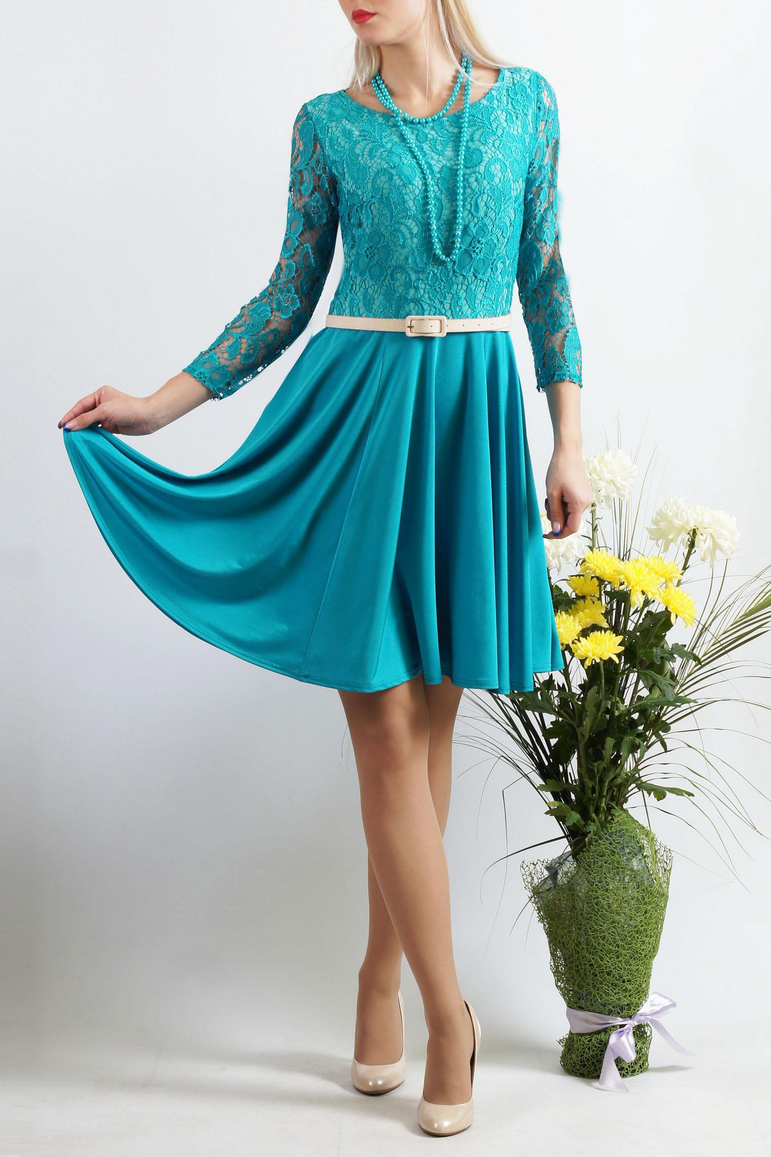 ПлатьеПлатья<br>Классическое платье для торжеств - верх выполнен из кружева, юбка солнце-клеш из струящегося трикотажа. Платье без пояса.  Длина 97 см в 46-48 размерах  Длина 103 см в 50-54 размерах  Цвет: голубой  Параметры размеров: 42 размер - обхват груди 84 см., обхват талии 64 см., обхват бедер 92 см. 44 размер - обхват груди 88 см., обхват талии 68 см., обхват бедер 96 см. 46 размер - обхват груди 92 см., обхват талии 72 см., обхват бедер 100 см. 48 размер - обхват груди 96 см., обхват талии 76 см., обхват бедер 104 см. 50 размер - обхват груди 100 см., обхват талии 80 см., обхват бедер 108 см. 52 размер - обхват груди 104 см., обхват талии 85 см., обхват бедер 112 см. 54 размер - обхват груди 108 см., обхват талии 89 см., обхват бедер 116 см. 56 размер - обхват груди 112 см., обхват талии 94 см., обхват бедер 120 см. 58 размер - обхват груди 116 см., обхват талии 100 см., обхват бедер 124 см.  Ростовка изделия 167-173 см.<br><br>Горловина: С- горловина<br>По длине: До колена<br>По материалу: Гипюр,Трикотаж<br>По рисунку: Однотонные,Фактурный рисунок<br>По сезону: Весна,Зима,Лето,Осень,Всесезон<br>По силуэту: Приталенные<br>По стилю: Нарядный стиль,Вечерний стиль<br>По форме: Платье - трапеция<br>Рукав: Длинный рукав<br>Размер : 50<br>Материал: Холодное масло + Гипюр<br>Количество в наличии: 1
