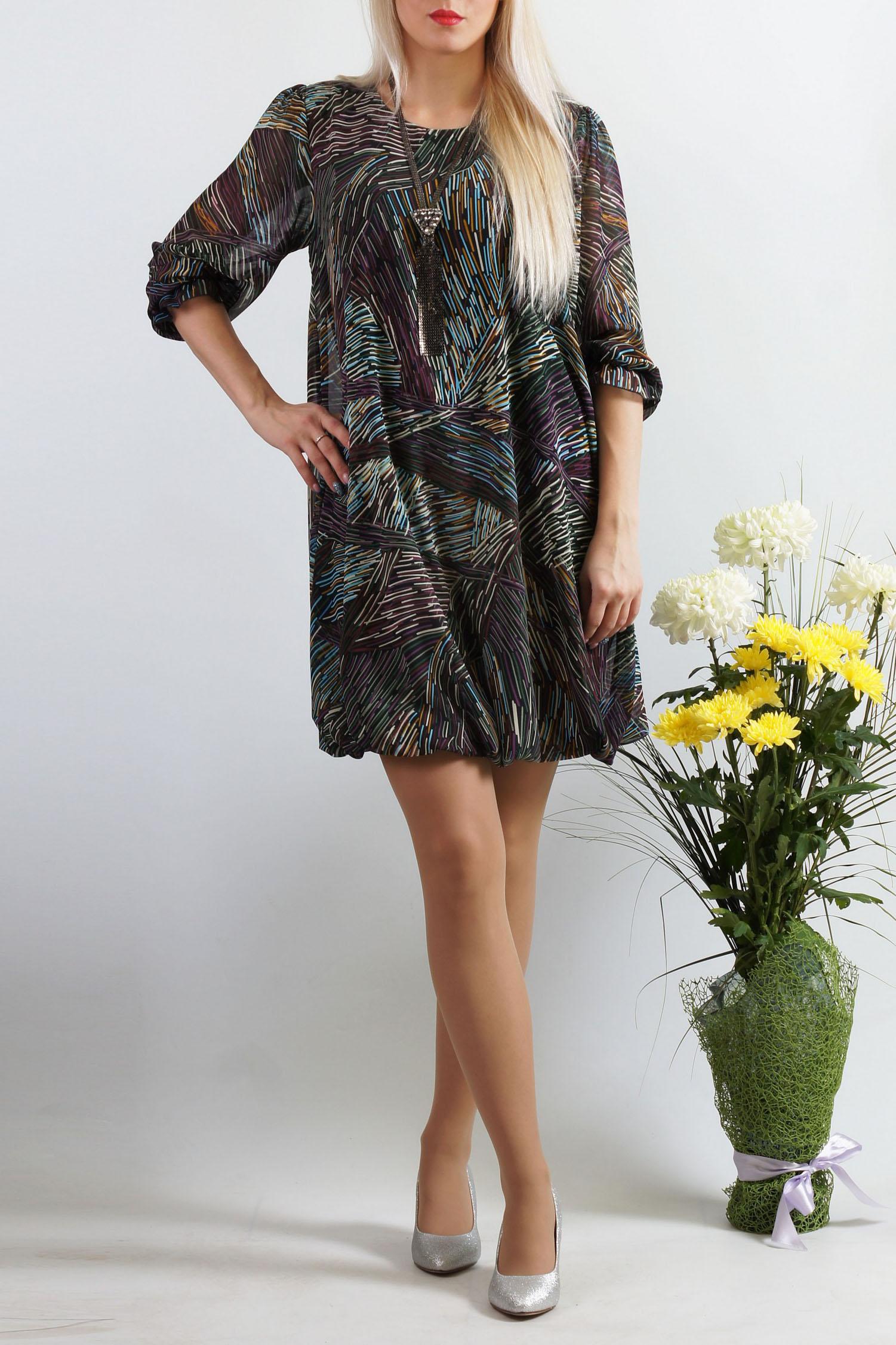 ПлатьеПлатья<br>Это эффектное платье-баллон из легкой шифоновой ткани придется по вкусу многим юным девушкам и молодым женщинам. Его короткая длина открывает к всеобщему обозрению красивые и стройные ножки обладательницы платья, а удачный крой модели поможет скрыть возможные недостатки в верхней части женской фигуры. Достаточно подчеркнуть линию талии оригинальным тонким пояском – и шикарный вечерний наряд готов  Верх платья-баллон из шифона, который закладывается в воздушные складки, а внутренняя часть подобрана в тон верха и выполнена из трикотажа «холодное масло», которое скользит по телу и не сковывает движения . Рукав втачной, длиной 3/4, без подклада, с небольшой сборкой по окату, низ рукава собран на тонкую резинку и формирует кокетливую рюшечку – поэтому длину рукава можно регулировать.  Платье без пояса.  Длина изделия: 46-48 размеры - около 87,0 см; 50-52 размеры – около 97,0 см; 54-56 размеры – около 99,0 см.  В изделии использованы цвета: черный и др.  Параметры размеров: 42 размер - обхват груди 84 см., обхват талии 64 см., обхват бедер 92 см. 44 размер - обхват груди 88 см., обхват талии 68 см., обхват бедер 96 см. 46 размер - обхват груди 92 см., обхват талии 72 см., обхват бедер 100 см. 48 размер - обхват груди 96 см., обхват талии 76 см., обхват бедер 104 см. 50 размер - обхват груди 100 см., обхват талии 80 см., обхват бедер 108 см. 52 размер - обхват груди 104 см., обхват талии 85 см., обхват бедер 112 см. 54 размер - обхват груди 108 см., обхват талии 89 см., обхват бедер 116 см. 56 размер - обхват груди 112 см., обхват талии 94 см., обхват бедер 120 см. 58 размер - обхват груди 116 см., обхват талии 100 см., обхват бедер 124 см.  Ростовка изделия 167-173 см.<br><br>Горловина: С- горловина<br>По длине: До колена<br>По материалу: Шифон<br>По рисунку: С принтом,Цветные<br>По сезону: Весна,Зима,Лето,Осень,Всесезон<br>По силуэту: Свободные<br>По стилю: Нарядный стиль<br>Рукав: Рукав три четверти<br>Размер : 48<br>Материал: Шифон<br>Количество в налич