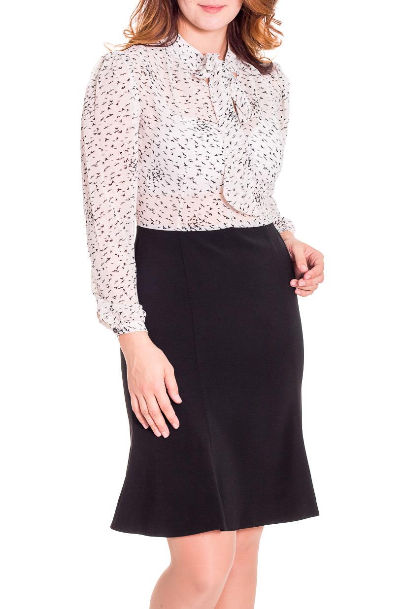 ПлатьеПлатья<br>Эффектное женское платье имитирующее юбку и блузку. Юбка годе, ниже колена, ткань полушерстяная , верх выполнен в классическом стиле блузы из шифона, рукав широкий на манжете, по переду воротник шарф . Ростовка изделия 164 см.  Цвет: черный, бежевый  Рост девушки-фотомодели 180 см.<br><br>По длине: Ниже колена<br>По материалу: Тканевые,Шифон<br>По рисунку: Цветные,С принтом<br>По сезону: Весна,Осень<br>По силуэту: Полуприталенные<br>По стилю: Нарядный стиль,Повседневный стиль<br>Рукав: Длинный рукав<br>По элементам: С воланами и рюшами,С манжетами<br>По форме: Платье - годе<br>Размер : 46,50<br>Материал: Костюмно-плательная ткань<br>Количество в наличии: 2