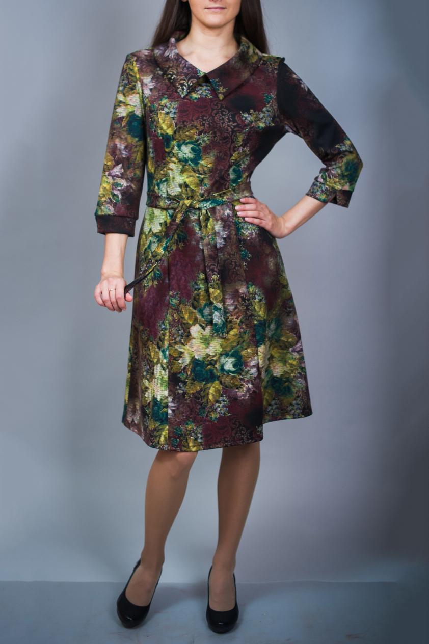 ПлатьеПлатья<br>Цветное платье с рукавами 3/4. Модель выполнена из приятного материала. Отличный выбор для повседневного гардероба. Платье без пояса.  В изделии использованы цвета: бордовый, зеленый и др.  Ростовка изделия 170 см.<br><br>Воротник: Отложной<br>По длине: До колена<br>По материалу: Вискоза,Трикотаж<br>По образу: Город,Свидание<br>По рисунку: Растительные мотивы,С принтом,Цветные,Цветочные<br>По силуэту: Полуприталенные<br>По стилю: Повседневный стиль<br>По форме: Платье - трапеция<br>Рукав: Рукав три четверти<br>По сезону: Осень,Весна,Зима<br>Размер : 46<br>Материал: Джерси<br>Количество в наличии: 1