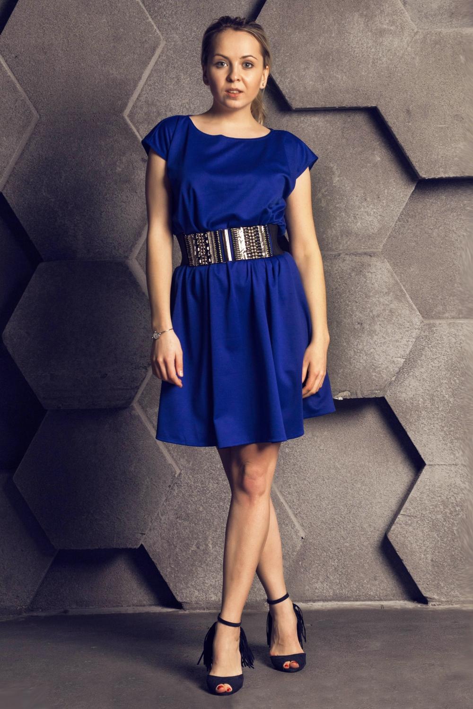 Платье-туникаПлатья<br>Ультрамодное платье-туника свободного силуэта. Модель выполнена из приятного материала. Отличный выбор для повседневного гардероба. Платье без пояса.  Цвет: синий  Ростовка изделия 170 см.<br><br>Горловина: С- горловина<br>По длине: До колена<br>По материалу: Трикотаж,Хлопок<br>По рисунку: Однотонные<br>По силуэту: Свободные<br>По стилю: Повседневный стиль<br>Рукав: Короткий рукав<br>По сезону: Осень,Весна<br>Размер : universal<br>Материал: Джерси<br>Количество в наличии: 1