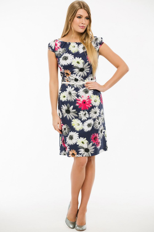 ПлатьеПлатья<br>Замечательное платье с круглой горловиной и короткими рукавами. Модель выполнена из приятного материала. Отличный выбор для любого случая. Платье без пояса.  Длина изделия по спинке в 42 размере 95 см.  В изделии использованы цвета: синий, белый и др.  Ростовка изделия 170 см.<br><br>Горловина: С- горловина<br>По длине: До колена<br>По материалу: Тканевые<br>По рисунку: Растительные мотивы,С принтом,Цветные,Цветочные<br>По сезону: Весна,Лето<br>По силуэту: Приталенные<br>По стилю: Повседневный стиль<br>По форме: Платье - трапеция<br>Рукав: Короткий рукав<br>Размер : 44,46,48,50<br>Материал: Плательная ткань<br>Количество в наличии: 7