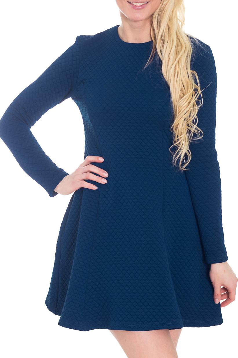 ПлатьеПлатья<br>Эффектное платье-мини с круглой горловиной и длинными рукавами. Модель выполнена из фактурного трикотажа. Отличный выбор для любого случая.  Цвет: синий  Рост девушки-фотомодели 170 см.<br><br>Горловина: С- горловина<br>По длине: Мини<br>По материалу: Трикотаж,Хлопок<br>По образу: Город,Свидание<br>По рисунку: Однотонные,Фактурный рисунок<br>По силуэту: Приталенные<br>По стилю: Повседневный стиль,Кэжуал,Молодежный стиль<br>По форме: Платье - трапеция<br>Рукав: Длинный рукав<br>По сезону: Осень,Весна<br>По элементам: С молнией<br>Размер : 44,46<br>Материал: Трикотаж<br>Количество в наличии: 2