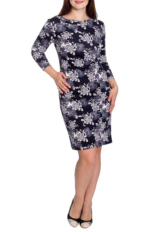 ПлатьеПлатья<br>Цветное платье футлярного типа с круглой горловиной и рукавами 3/4. Модель выполнена из приятного трикотажа. Отлиный выбор для повседневного гардероба.  В изделии использованы цвета: темно-синий, серый, белый.  Рост девушки-фотомодели 180 см.<br><br>Горловина: С- горловина<br>По длине: До колена<br>По материалу: Вискоза,Трикотаж<br>По рисунку: Растительные мотивы,С принтом,Цветные,Цветочные<br>По силуэту: Полуприталенные<br>По стилю: Повседневный стиль<br>По форме: Платье - футляр<br>Рукав: Рукав три четверти<br>По сезону: Осень,Весна,Зима<br>Размер : 48,52<br>Материал: Трикотаж<br>Количество в наличии: 5