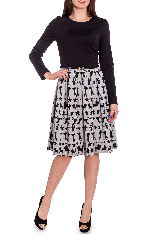 ПлатьеПлатья<br>Великолепное платье длиной до колена с широкой юбкой — прекрасный выбор для любого случая. Горловина круглая, рукава длиные. Платье дополнено поясом.  В изделии использованы цвета: черный, серый  Рост девушки-фотомодели 173 см<br><br>Горловина: С- горловина<br>По длине: До колена<br>По материалу: Вискоза,Трикотаж<br>По рисунку: С принтом,Цветные<br>По сезону: Осень,Зима<br>По силуэту: Приталенные<br>По стилю: Повседневный стиль<br>По форме: Платье - трапеция<br>По элементам: Со складками<br>Рукав: Длинный рукав<br>Размер : 42,44,46<br>Материал: Трикотаж<br>Количество в наличии: 3