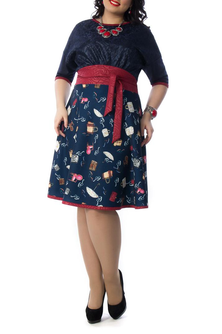 ПлатьеПлатья<br>Эффектное платье полуприлегающего силуэта из трикотажного полотна сине-красного цвета. Круглый вырез изделия и втачные рукава обработаны окантовкой. Платье отрезное по линии талии. По низу изделия окантовка.  Бижутерия и пояс в комплект не входят.  Длина изделия по спинке от плечевого шва до низа изделия —107 см.  Цвет: синий, белый, красный  Ростовка изделия 170 см.<br><br>Горловина: С- горловина<br>По длине: Ниже колена<br>По материалу: Тканевые<br>По рисунку: С принтом,Цветные<br>По силуэту: Полуприталенные<br>По стилю: Повседневный стиль<br>По форме: Платье - трапеция<br>Рукав: Рукав три четверти<br>По сезону: Осень,Весна,Зима<br>Размер : 58<br>Материал: Плательная ткань<br>Количество в наличии: 1
