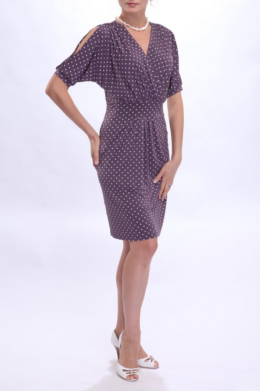 ПлатьеПлатья<br>Это платье из струящейся холодной вискозы – великолепное решение для любительниц классического стиля и элегантных фасонов. Модель привлекает внимание интересными деталями кроя. Так, драпировка лифа, выполненного с запАхом, рифмуется с аналогичной деталью юбки. Ниспадающие складки ткани на полочке великолепно маскируют мелкие недостатки фигуры.  Цвет: фиолетовый, белый  Ростовка изделия 170 см.<br><br>Горловина: V- горловина,Запах<br>По длине: До колена<br>По материалу: Вискоза,Трикотаж<br>По образу: Город,Свидание<br>По рисунку: В горошек,С принтом,Цветные<br>По силуэту: Полуприталенные<br>По стилю: Повседневный стиль<br>По форме: Платье - футляр<br>По элементам: С разрезом,Со складками<br>Рукав: Короткий рукав<br>По сезону: Осень,Весна,Лето<br>Размер : 44<br>Материал: Вискоза<br>Количество в наличии: 1