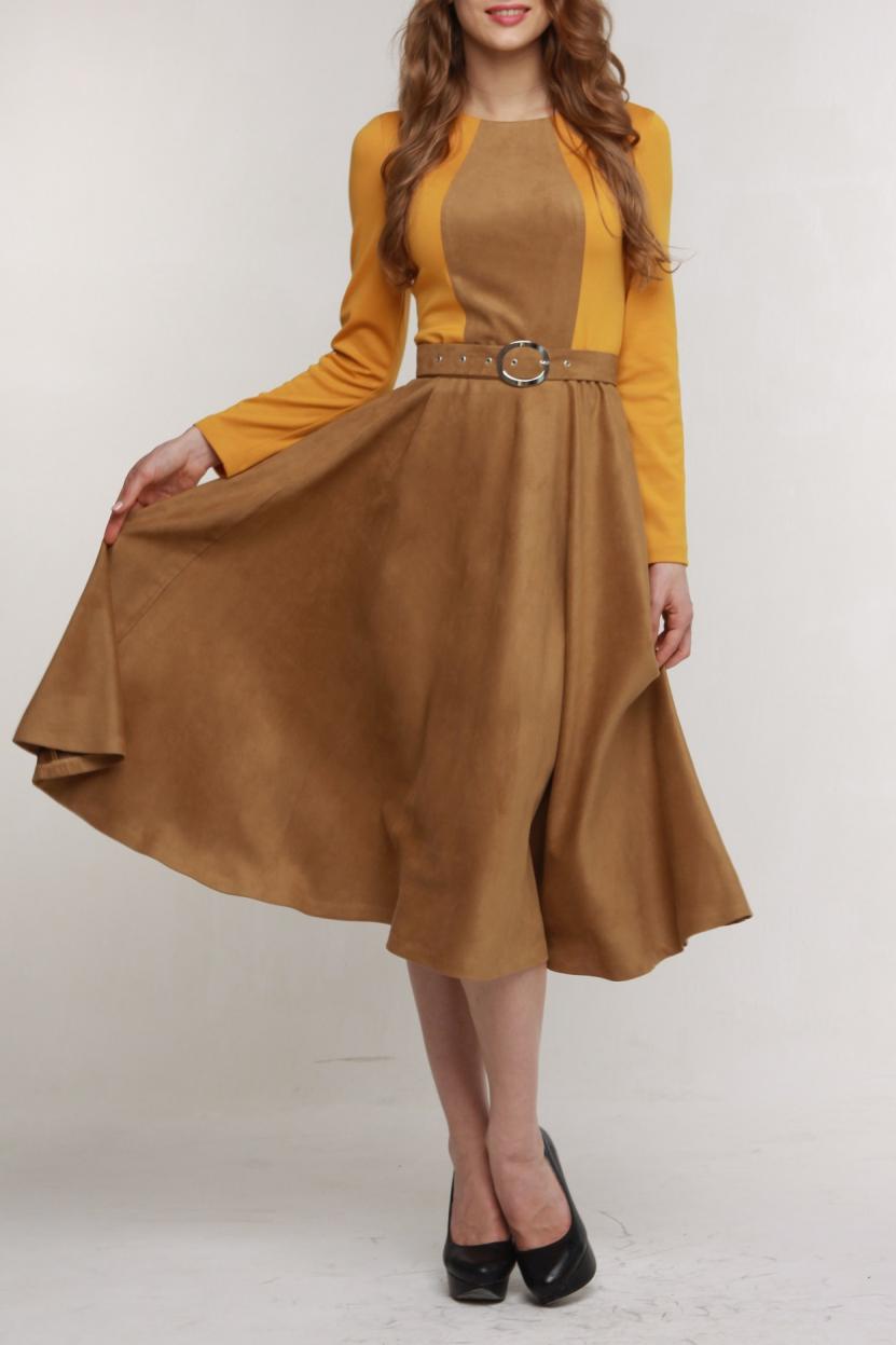 ПлатьеПлатья<br>Прекрасное платье сделает любой Ваш день ярким Верх выполнен из плотного высококачественного трикотажа, а широкая юбка-солнце и отделка полочки из модной сейчас искусственной замши. Горловина с обтачкой, на спинке молния 50 см., рукав длинный. Пояс-ремень входит в комплект.  В изделии используются цвета: бежево-коричневый, оранжево-желтый.  Рост девушки-фотомодели 176 см.<br><br>Горловина: С- горловина<br>По длине: Ниже колена<br>По материалу: Трикотаж<br>По образу: Город,Офис,Свидание<br>По рисунку: Цветные<br>По сезону: Осень,Зима<br>По силуэту: Полуприталенные,Приталенные<br>По стилю: Классический стиль,Кэжуал,Офисный стиль,Повседневный стиль<br>По форме: Платье - трапеция<br>По элементам: С декором,С поясом<br>Рукав: Длинный рукав<br>Размер : 50,52<br>Материал: Трикотаж<br>Количество в наличии: 2