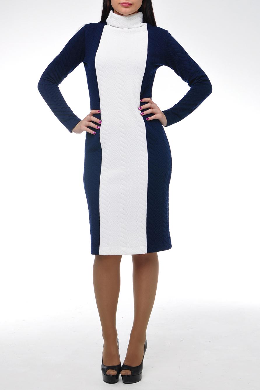 ПлатьеПлатья<br>Теплое платье из очень плотного черного фактурного трикотажа в косичку. Ворот высокий цельнокройный, рукав длинный. Силуэт приталенный.  В изделии исползованы цвета: синий, белый.  Рост девушки-фотомодели 174 см.<br><br>Воротник: Стойка<br>По длине: Ниже колена<br>По материалу: Трикотаж,Хлопок<br>По рисунку: Фактурный рисунок,Цветные<br>По силуэту: Приталенные<br>По стилю: Классический стиль,Кэжуал,Офисный стиль,Повседневный стиль<br>По форме: Платье - карандаш,Платье - футляр<br>По элементам: С воротником<br>Рукав: Длинный рукав<br>По сезону: Зима<br>Размер : 46<br>Материал: Трикотаж<br>Количество в наличии: 1
