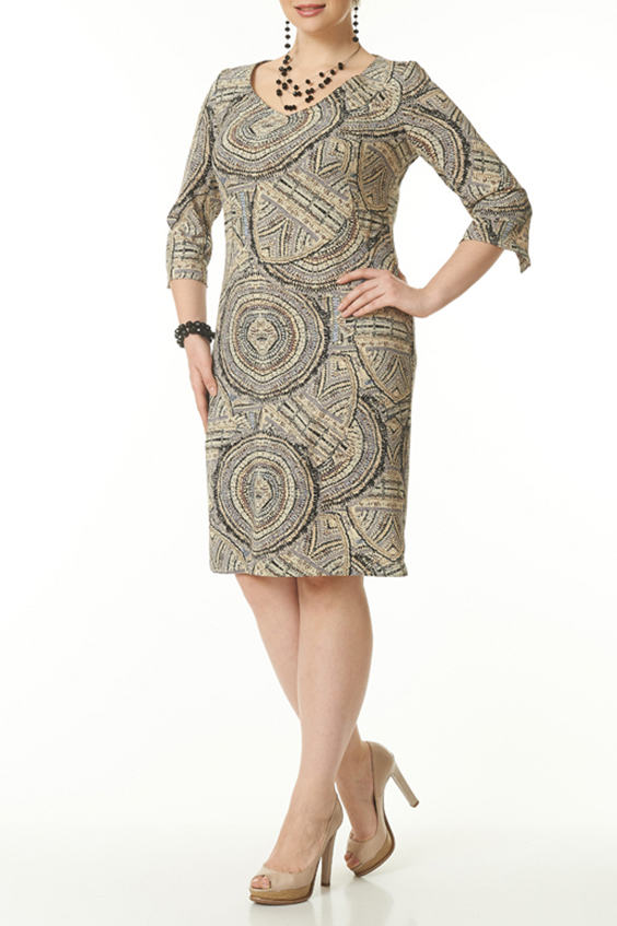 ПлатьеПлатья<br>Великолепное платье свободного кроя с оригинальным принтом займет достойное место в вашем гардеробе. Такое платье легко скроет некоторые недостатки фигуры. Его можно носить как с пояском, так и без него  Цвет: бежевый, коричневый  Ростовка изделия 170 см.<br><br>Горловина: V- горловина<br>Рукав: Рукав три четверти<br>Длина: Ниже колена<br>Материал: Тканевые<br>Рисунок: С принтом,Цветные<br>Сезон: Весна,Осень,Зима<br>Силуэт: Приталенные<br>Стиль: Повседневный стиль<br>Форма: Платье - футляр<br>Размер : 48,50<br>Материал: Плательная ткань<br>Количество в наличии: 2