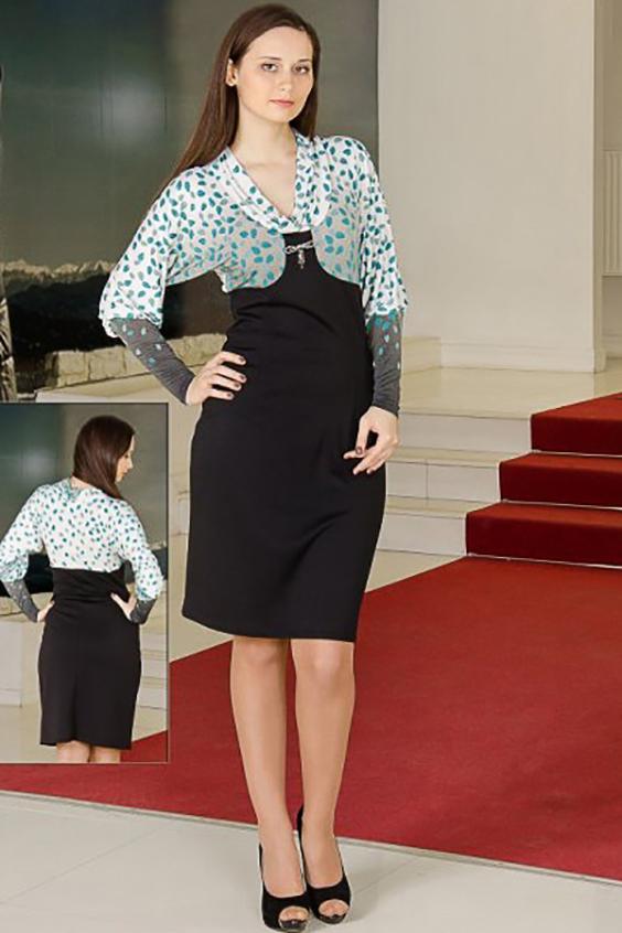 ПлатьеПлатья<br>Женственное платье, лиф с открытой зоной декольте выполнен из quot;холодного маслаquot;, а низ из джерси подчеркнет изгибы фигуры.  Длина изделия около 98 см  Цвет: черный, серый, белый, голубой<br><br>Горловина: Качель<br>По длине: До колена<br>По материалу: Вискоза,Трикотаж<br>По рисунку: Цветные,С принтом<br>По сезону: Весна,Осень,Зима<br>По силуэту: Приталенные<br>По стилю: Повседневный стиль<br>По форме: Платье - футляр<br>Рукав: Длинный рукав<br>Размер : 46,48,52,54,56<br>Материал: Трикотаж<br>Количество в наличии: 9